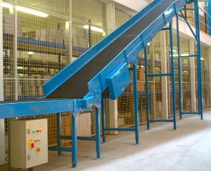 Inclined Conveyor 014